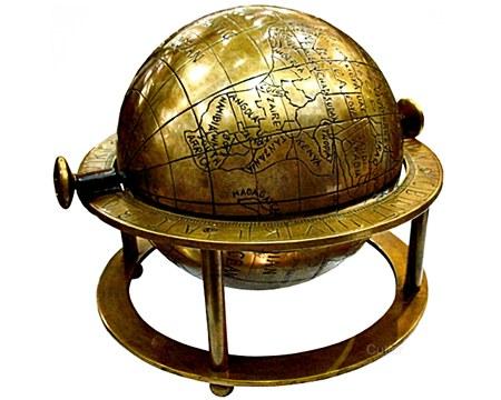 globo-terrestre-antigo-dourado-large.jpg
